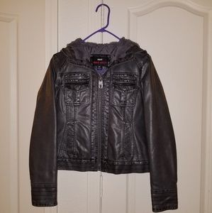 (3 FOR $25) Jacket size medium